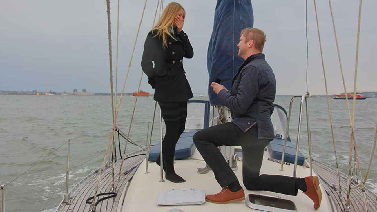 Proposal on the bow of a Sailboats